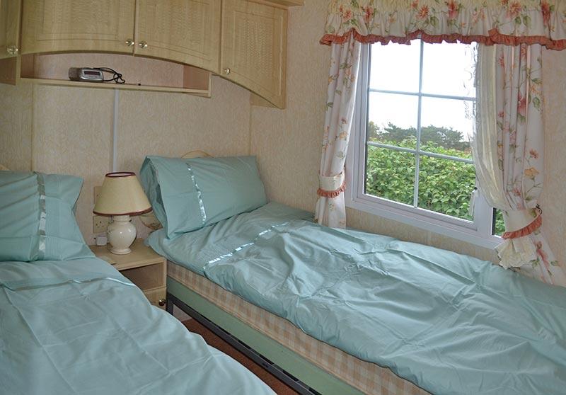 Static Holiday Caravan in North Wales near Llandudno and Conwy : twin bedroom655 800 from www.tyddyndutouringpark.co.uk size 800 x 558 jpeg 65kB
